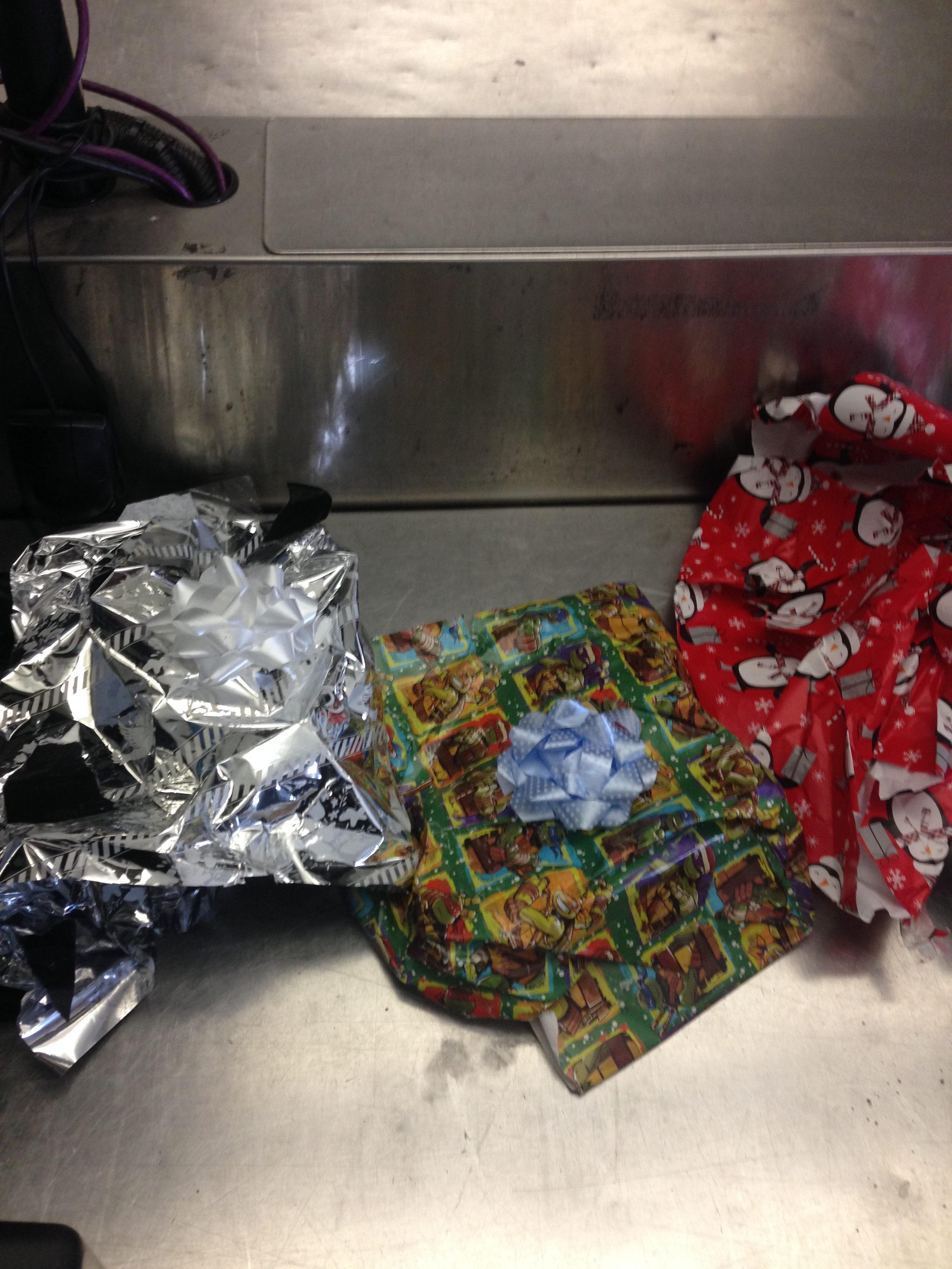L.A. Man Tried to Smuggle Heroin Inside Christmas-Wrapped Boxes